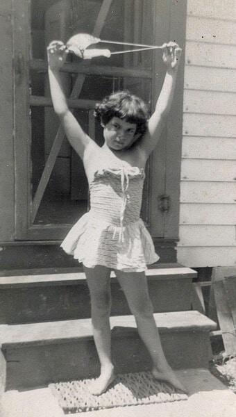 Linda in 1949