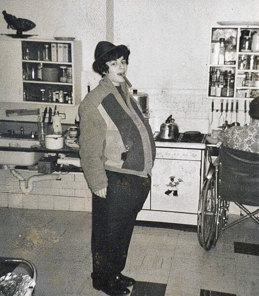 1961 Linda dressed up like Poppa!